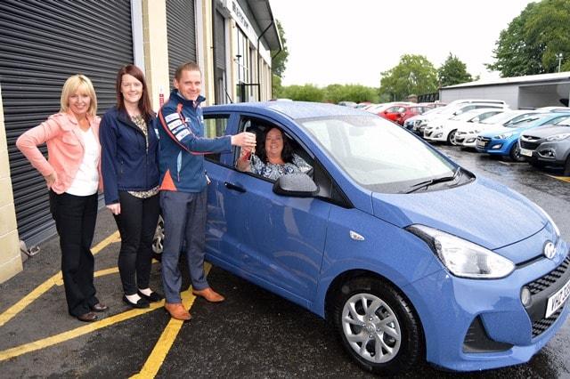 Armagh Lady Wins Hospice Hyundai i10 Car